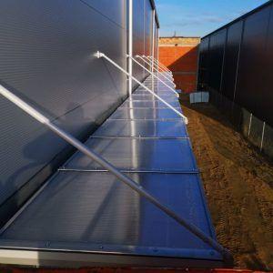 Aluminiowe daszki na hale